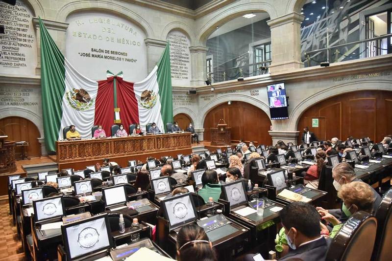 """Recibe Legislatura iniciativa para crear """"Secretaría de la mujer"""""""