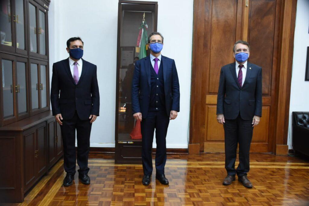 Esteban Moctezuma Barragán toma protesta a Arturo Reyes Sandoval como director general del IPN