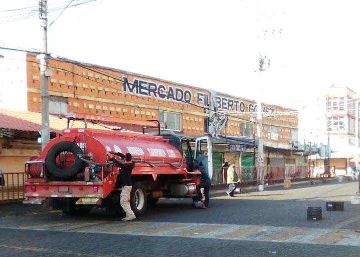 Tlalnepantla desinfecta mercados municipales y aplica pruebas rápidas Covid-19