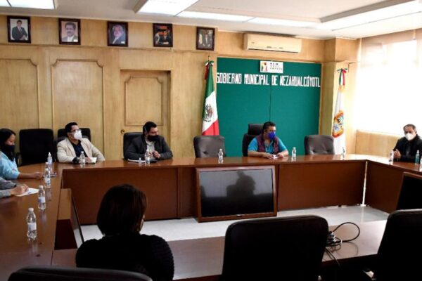 Autoridades de Ecatepec y Neza inician gestiones para adquirir hasta 500 mil vacunas contra el Covid-19