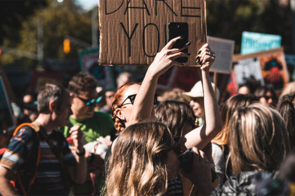 Activismo digital y la estrategia de la falsa ilusión