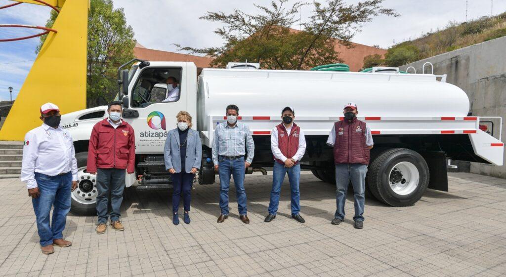Entrega Atizapán camión cisterna para combatir los recortes de agua
