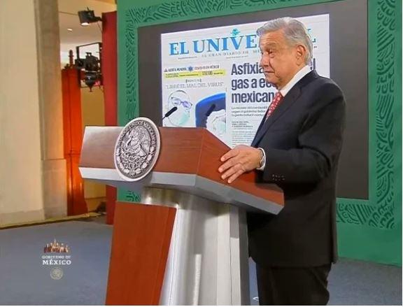 """Presidente López Obrador critica a El Universal, Reforma y programas de radio """"su único interés es atacar al gobierno"""", asegura"""