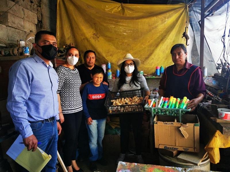 Realiza IIFAEM jornada de registro estatal de artesanas y artesanos en San Antonio la Isla