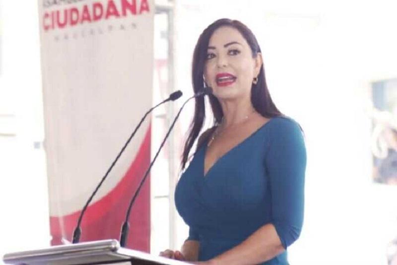 Impulsa Naucalpan reactivación económica con entrega de dictámenes