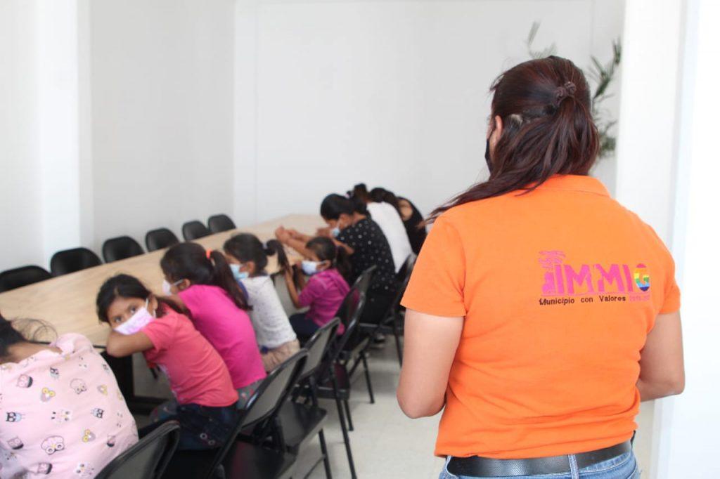 Ecatepec brinda ayuda humanitaria a 33 migrantes centroamericanos que estaban hacinados en una vivienda