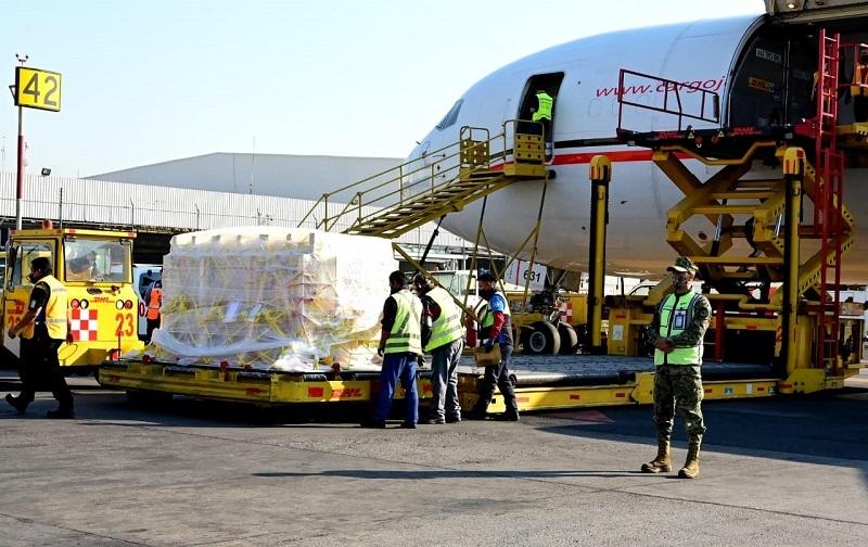 Llega a México nuevo embarque de Pfizer- BioNTech con vacunas contra COVID-19