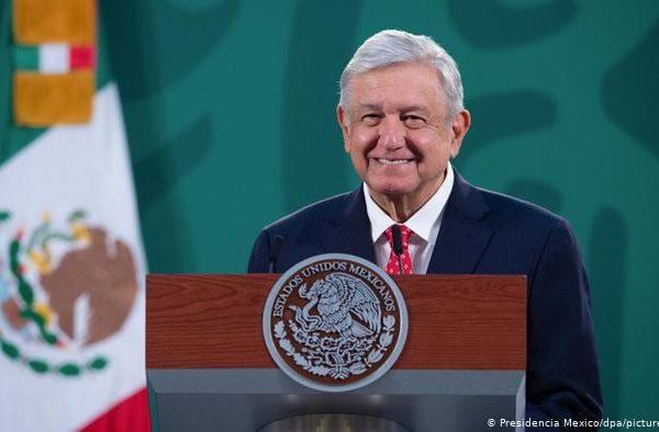 Gran logro laboral evitar la contratación por outsorcing: López Obrador