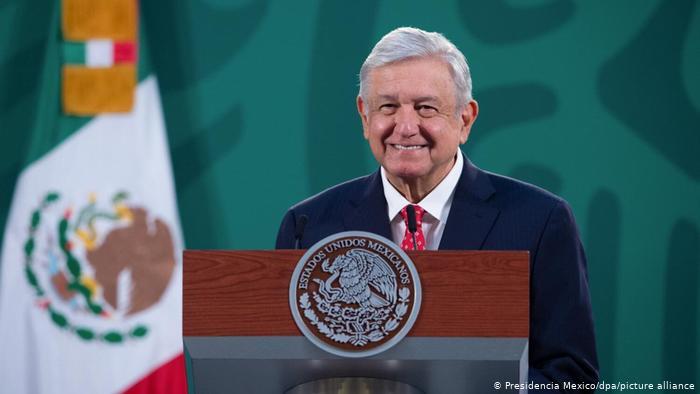 Las cancelaciones del Tribunal Electoral a las candidaturas de Salgado y Morón son un golpe a la democracia: López Obrador