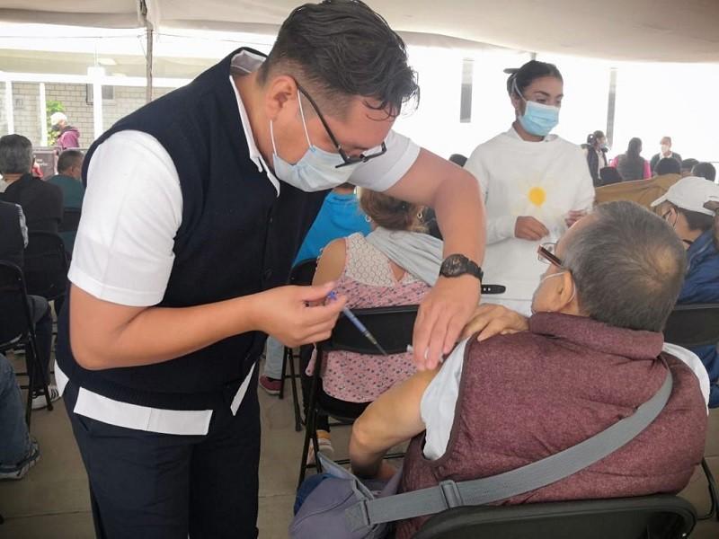 Con eficiencia, logra Coacalco inmunizar a población adulta mayor contra el covid-19