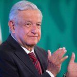 Medios de comunicación tienen más fuerza que un partido político imponen candidatos: López Obrador
