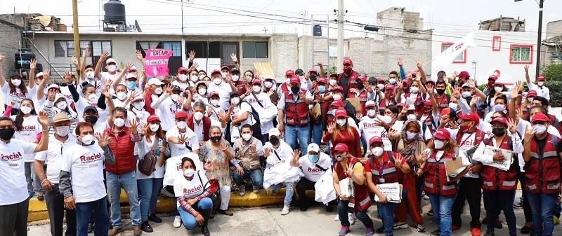 Raciel Pérez Cruz recorre calles de Tlalnepantla, ciudadanía lo apoya