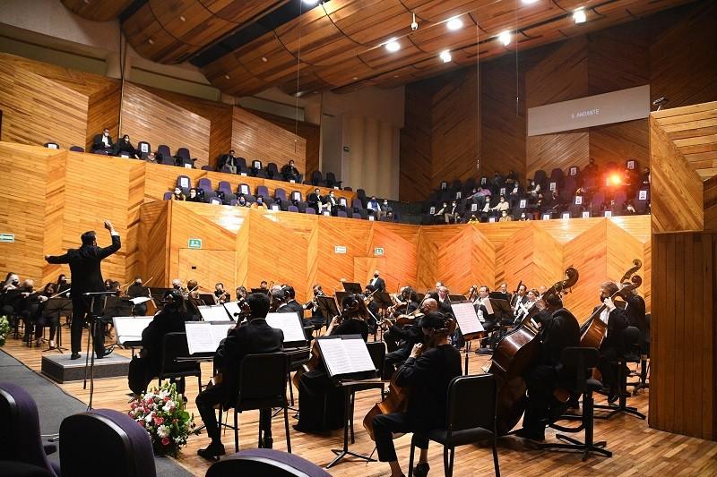 Dirige Rodrigo Sierra Moncayo concierto de la Orquesta Sinfónica del Estado de México