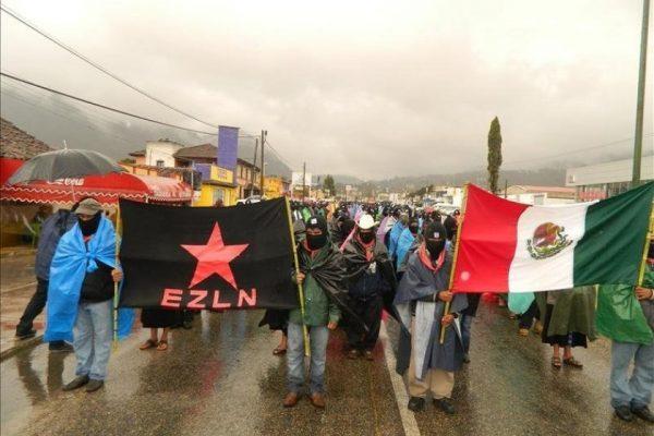 AMLO ordena resolver la negativa de pasaportes al EZLN