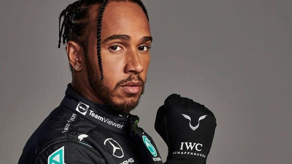 Como resultado del impacto contra Red Bull, Lewis Hamilton enfrenta ataques racistas en redes sociales