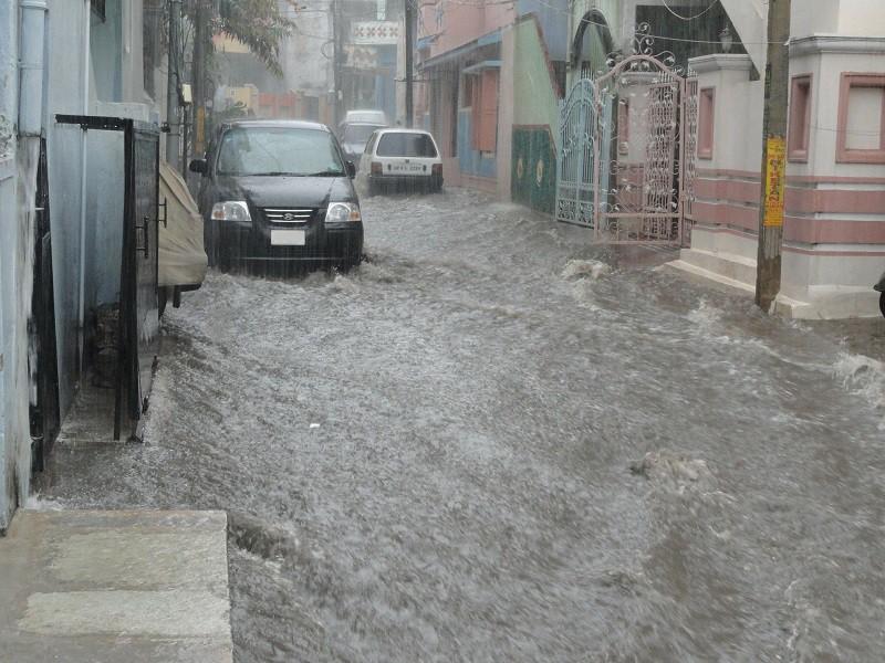 Coordinación con los tres órdenes de gobierno para apoyar a víctimas de inundaciones en Ecatepec