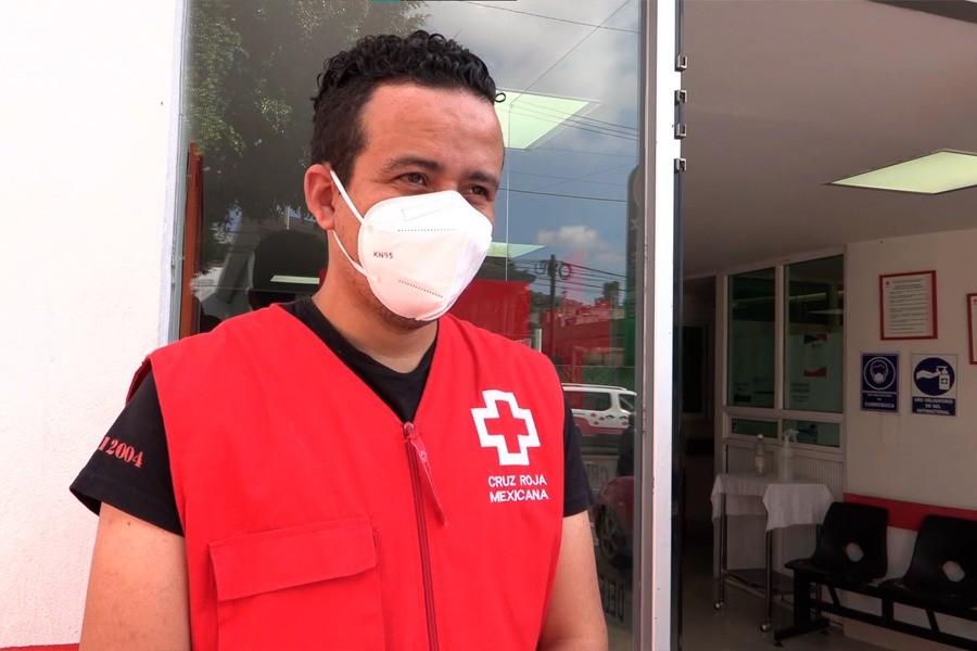 Reconocen a héroes de la Cruz Roja Ecatepec que rescataron a una familia en inundación