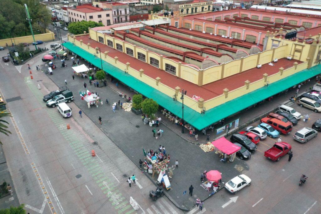 Libera Xochimilco primer cuadro de comercio ambulante