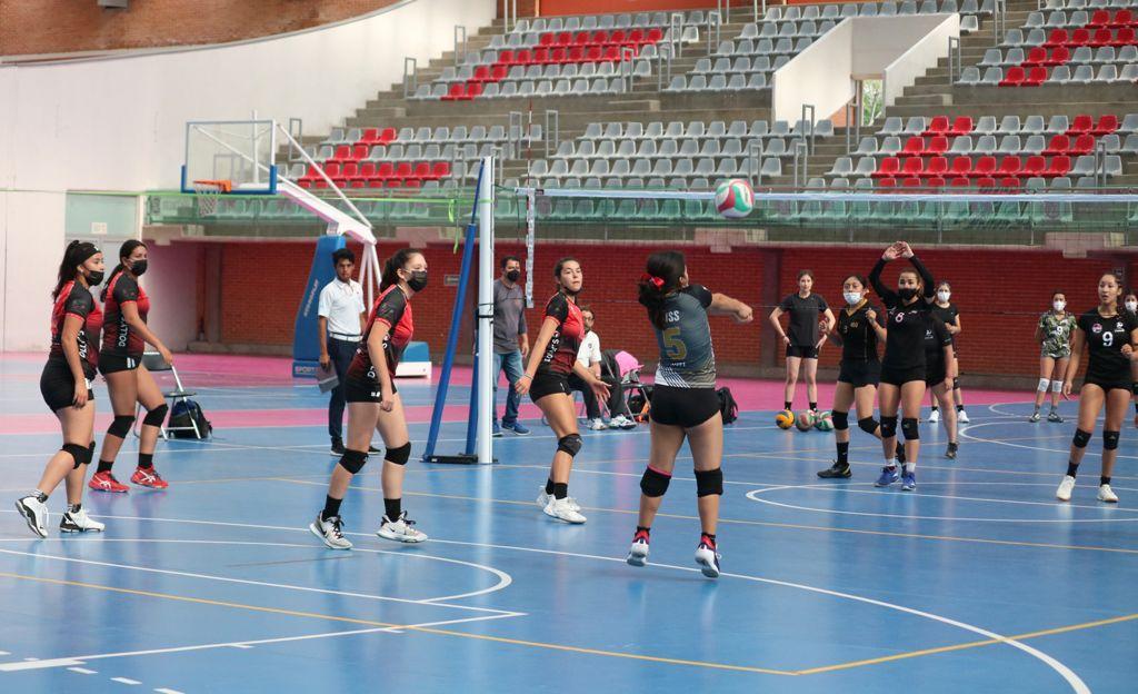 Recupera juventud de Iztacalco la Ciudad Deportiva y juega 1er. Torneo de voleibol
