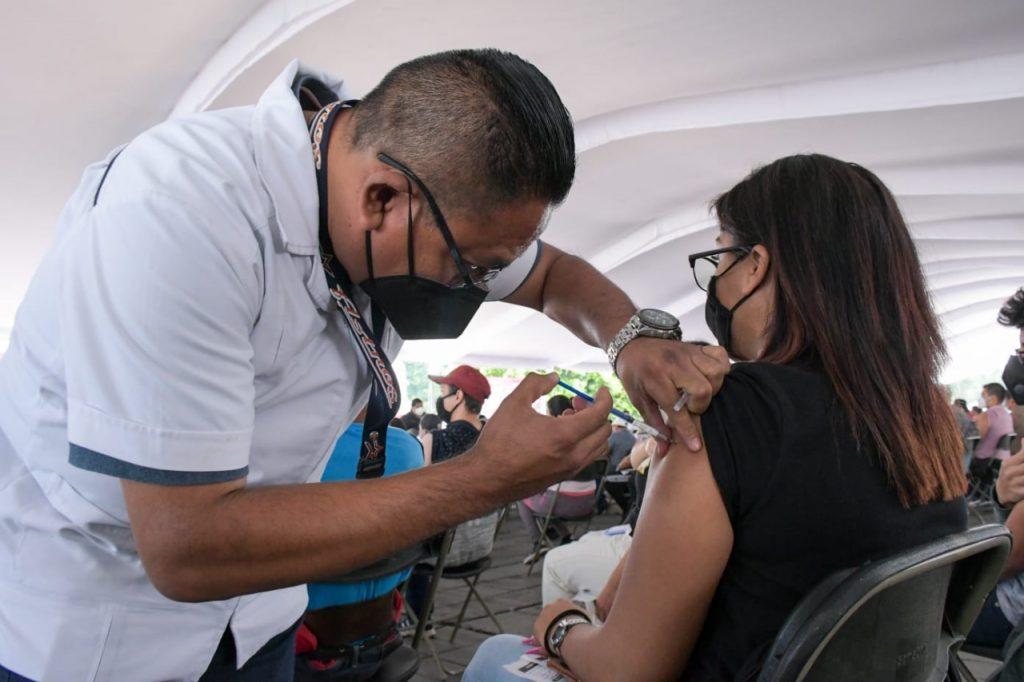 Inicia en Nezahualcóyotl la aplicación de la segunda dosis de la vacuna contra Covid-19 para jóvenes de 18 a 29 años