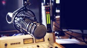 Radio libre: una cátedra diaria en el aire