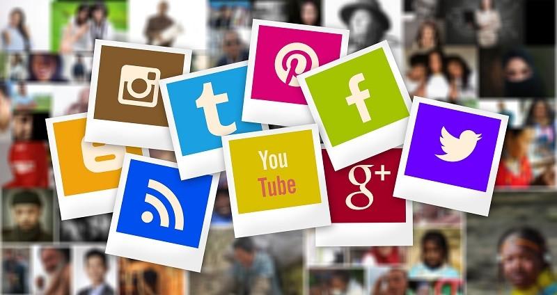 Protegido: La necesidad de observar y ser visto: relaciones de pareja por Internet