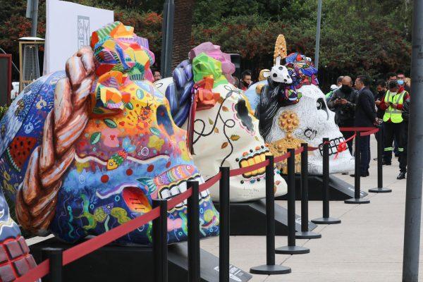 Sandra Cuevas inaugura la exposición Frida cráneos en el monumento a la revolución para reactivar el turismo y la economía en la Cuauhtémoc
