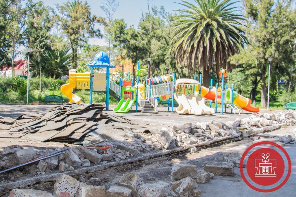 Supervisa Armando Quintero obras en parque de la colonia Agrícola Oriental