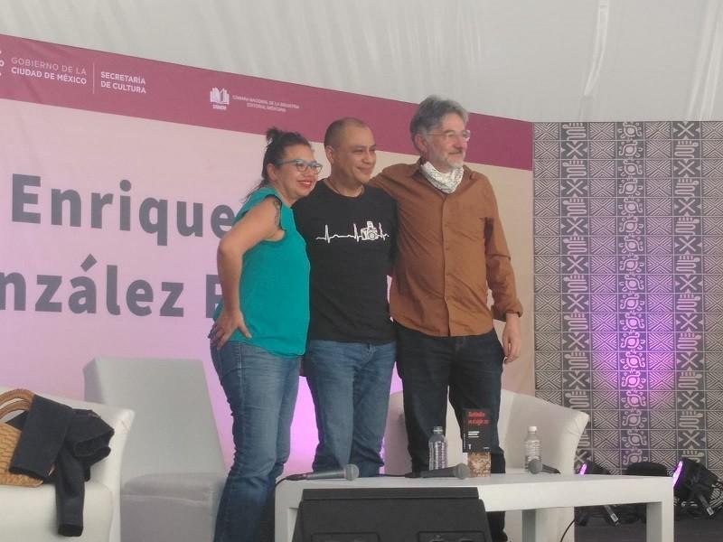 Xochimilco en el siglo XXI, libro para concientizar y buscar nuevas formas de preservar el patrimonio ecológico