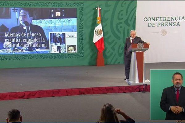 """Exhibe AMLO a sacerdote que llama """"indio Juárez"""" al expresidente: critica racismo y clasismo del pensamiento conservador"""