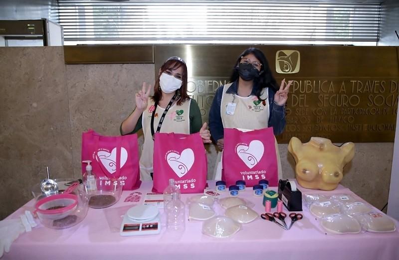 Con Feria de la Salud trabajadoras del IMSS recibieron citas para mastografías y papanicolau